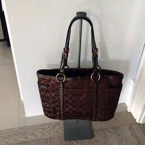 Coach beautiful shoulder bag 🌼🍀🌼